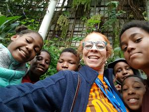 Burns Teachers Ms. Thomas and 6th Graders at Detroit Zoo